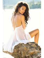 Michelle Keegan White Dress - plakat